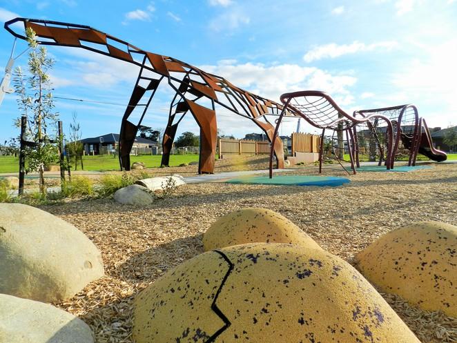 Megasaurus Park (plus Parks Weekmagic!)
